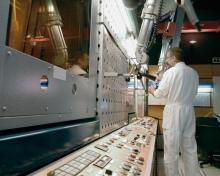 Cellule chaude remote control reprocessing vitrification